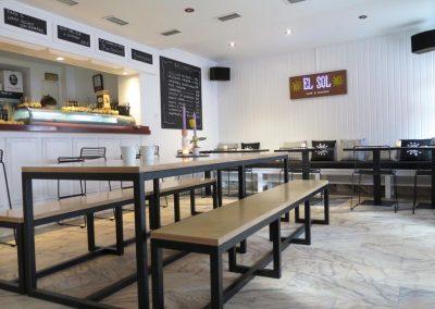 Trabajos de pintura y lacado en Café-Restaurante El Sol