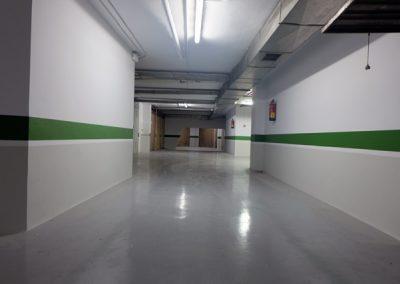 Pintura de paredes y techos en garaje.