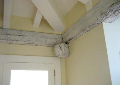 Detalle del techo en la entreviga.