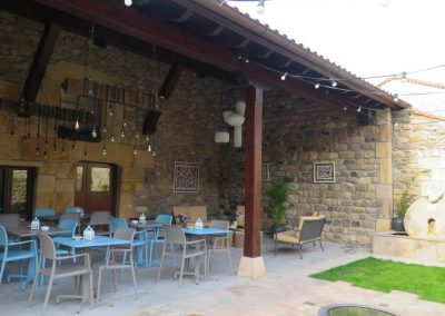 Trabajos de pintura en Restaurante Casa María.