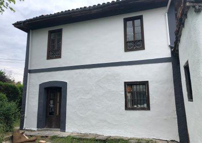 Trabajos de pintura en fachada.